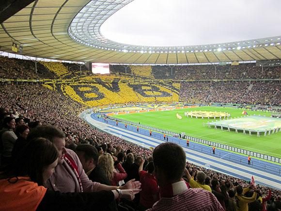 Fußballstadion FC Bayern München und Borussia Dortmund