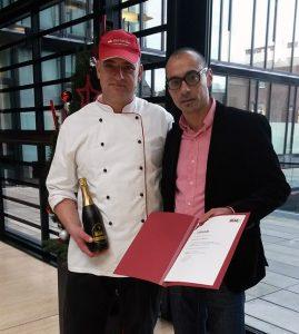 Thomas Feldbusch aus Mönchengladbach mit Niederlassungsleiter Volkan Bahceci