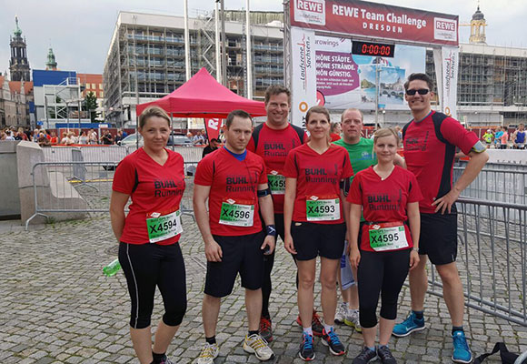 Mitarbeiter aus Berlin, Leipzig und Dresden vor dem Lauf