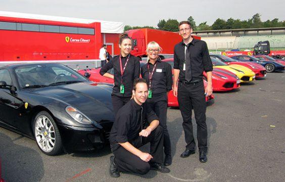 BUHL Personal vor Ferrari