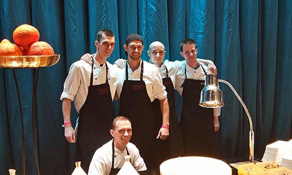 Fleißige BUHL-Köche unterstützten die großartige Gala.