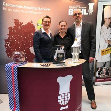 Regionalleiterin Ronja Uhrmacher, Marketing-Mitarbeiterin Lisa Wunner und Geschäftsführer Matthias Recknagel repräsentierten BUHL auf der FoodSpecial in der Jahrhunderthalle in Bochum.