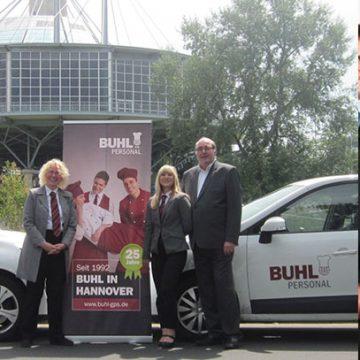Das BUHL-Team aus Hannover (v.l.n.r.): Petra Gerling (Fachbereichsleiterin Service), Claudia Watzel (Personaldisponentin Service) und Jürgen Weiß (Niederlassungsleiter)