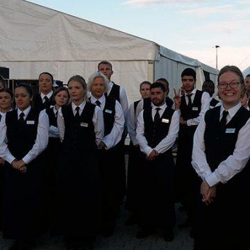 150 Servicekräfte und 80 Küchenmitarbeiter wurden an einem Tag für ein Firmenjubiläum und ein Oktoberfest in Bielefeld gebraucht