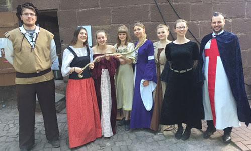 Gruppe Mittelalter Kostüme