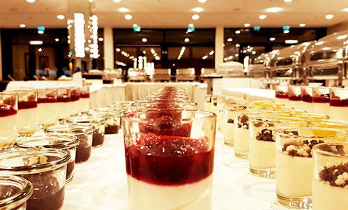 Desserts auf Tisch