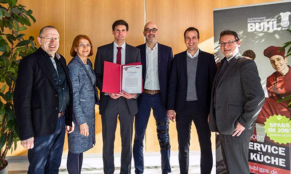 Von links nach rechts: Die Gesellschafter Hermann und Charlotte Buhl, Martin Öhlhorn, Matthias Recknagel (Operativer Geschäftsführer), Georg Graf (Kaufmännischer Geschäftsführer), Ulf Lampke (Geschäftsführer Vertrieb)