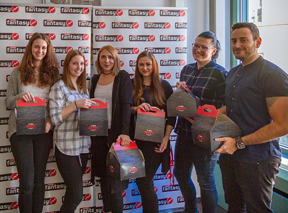 Das Team von BUHL Lohn erhielt leckere Frühstückspakete von Moderatorin Vroni