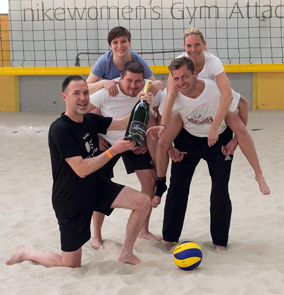 Freude über den Sieg. Der Titelverteidiger aus dem vergangenen Jahr ist zugleich auch der neue Gewinner des BUHL-Pokals: das Team Stuttgart-Heidelberg!