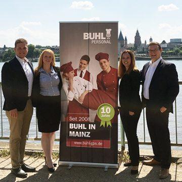 Unser Team der Niederlassung Mainz (v.l.n.r.): Heiko Zander (Fachbereichsleiter Küche), Nadine Bühnert (Teamassistentin), Karolína Krejčová (Niederlassungsleiterin), Ulf Lampke (Geschäftsführer Vertrieb)