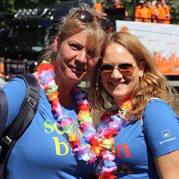 """Ina Radermacher (links) und Nathalie Stahlhacke (rechts, beide Personaldisponenten Service in Köln) waren """"mittendrin statt nur dabei"""""""