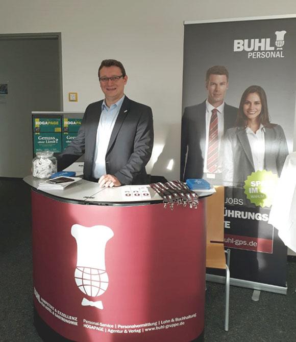 Ulf Lampke (BUHL-Geschäftsführer Vertrieb) stellte sich den Fragen der IUBH-Studenten