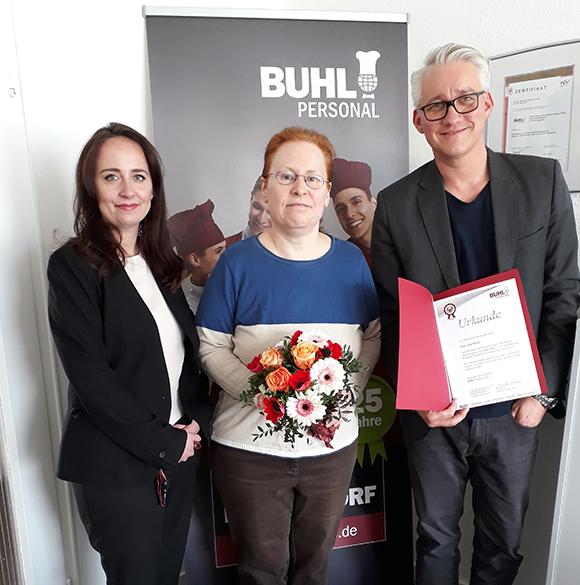 Seit März 2004 ist Frau Thiele eine wichtige Unterstützung für unser Düsseldorfer Küchen-Team.