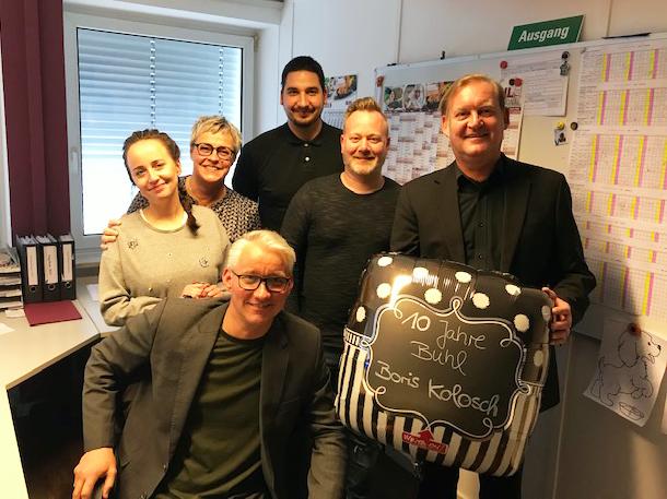 Das ganze Team aus Düsseldorf gratuliert Niederlassungsleiter Boris Kolosch zum 10-jährigen BUHL-Jubiläum.