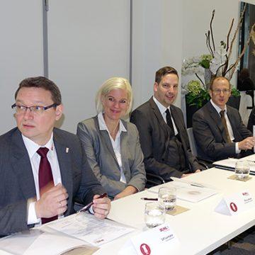 Regional- und Niederlassungsleiter aus der ganzen Republik reisten zur Tagung nach Augsburg.