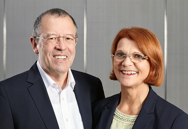 Die Eheleute Hermann und Charlotte Buhl gründeten erfolgreich ihre UNternehmen und sind heute Marktführer in ihrem Bereich.